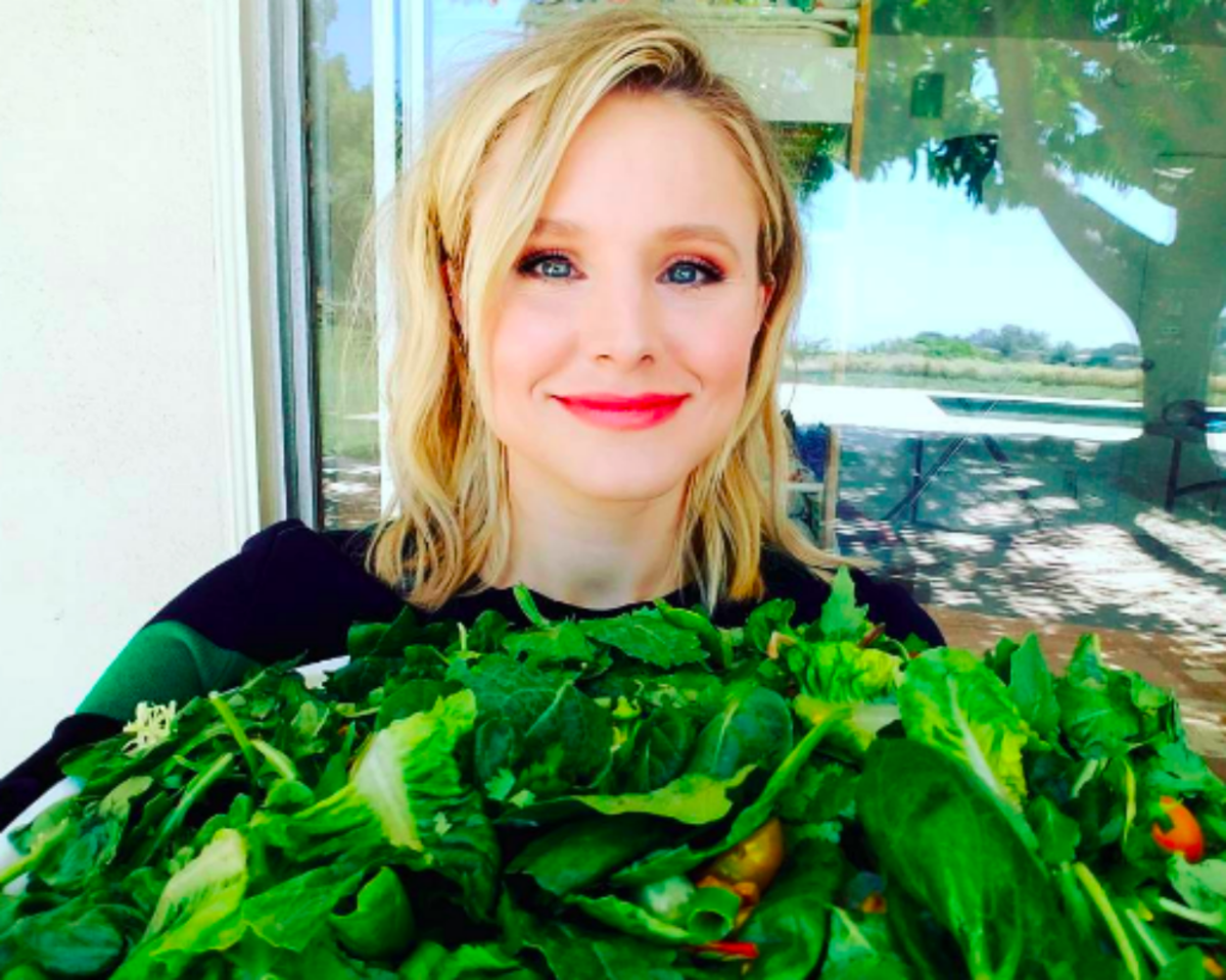 'Any and All Croutons' and Sprints: How Kristen Bell's Relatable Lifestyle Keeps Her Fit