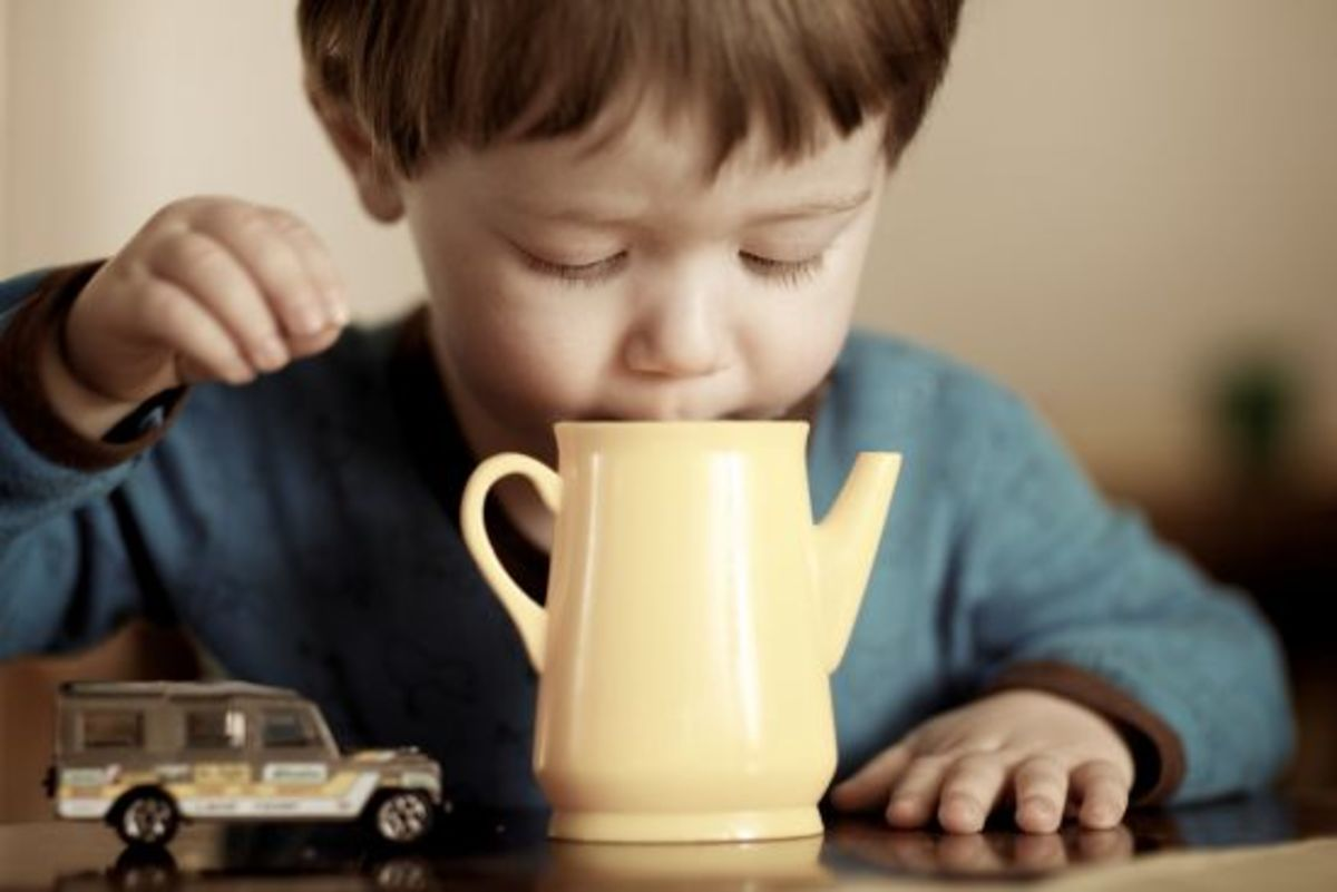 kid drinking cocoa