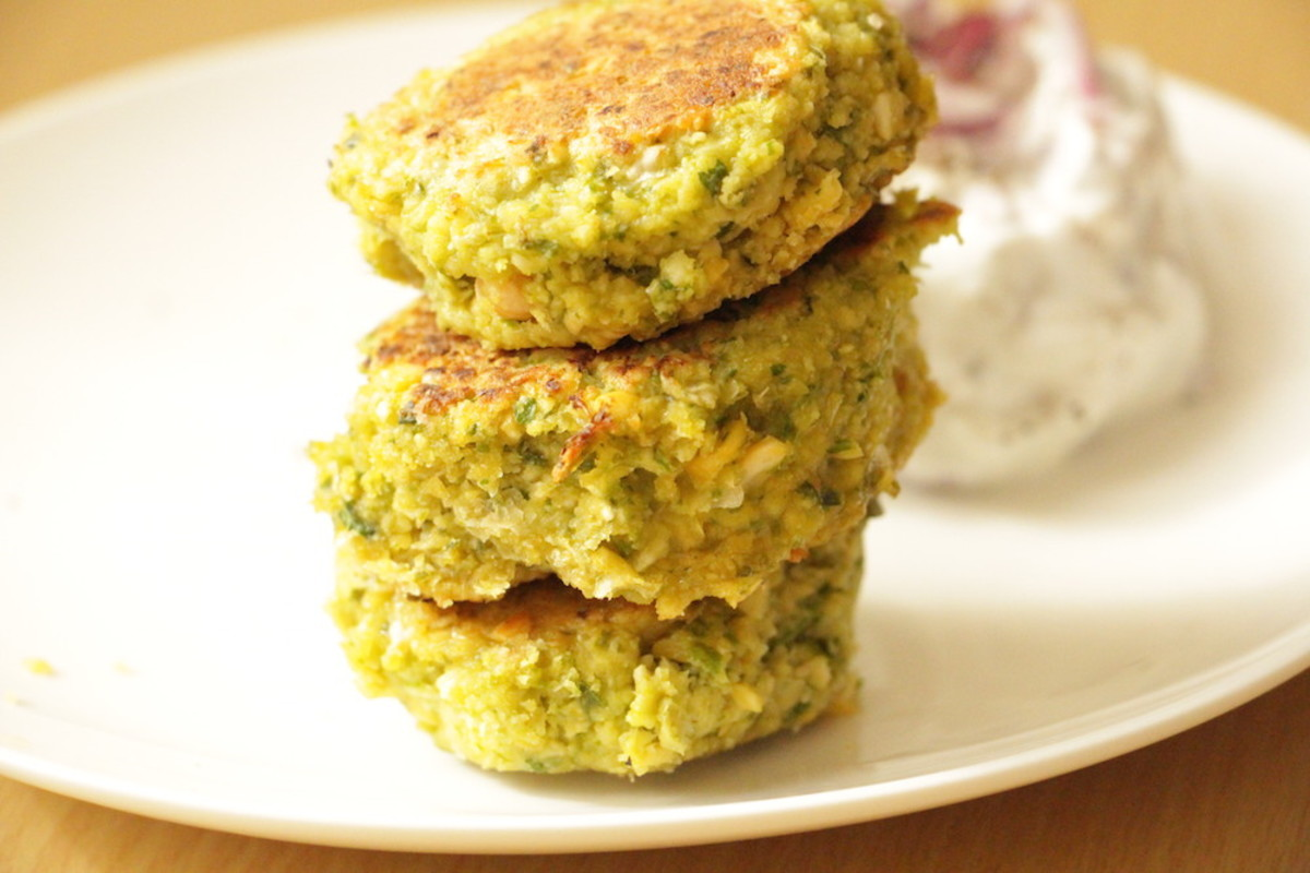 A Healthy, Delicious Baked Falafel Recipe with Yogurt Sauce