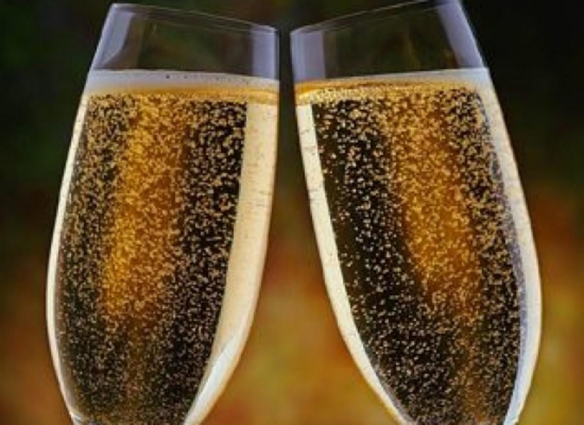 champagne-ccflcr-lightscameraclick
