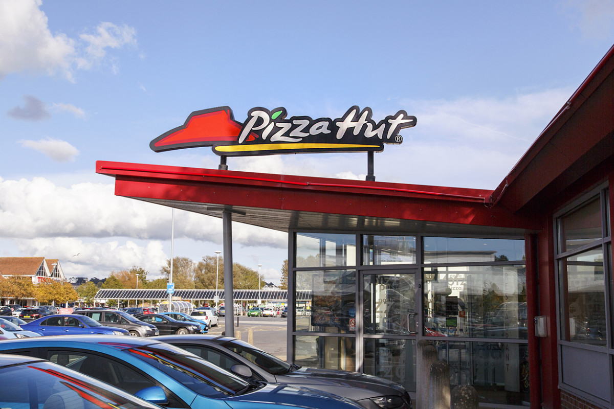 Pizza Hut Becomes First Major Pizza Chain to Commit to Antibiotic-Free Chicken