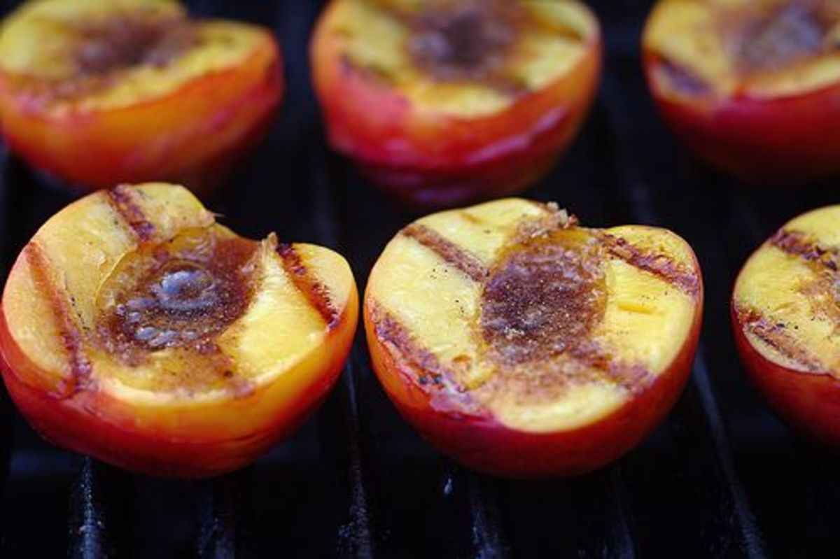 grilled-peaches-ccflcr-mccun934