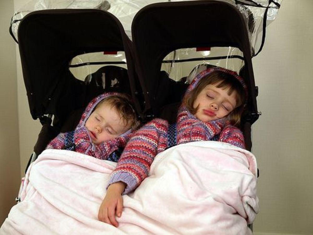 stroller sleeping twins