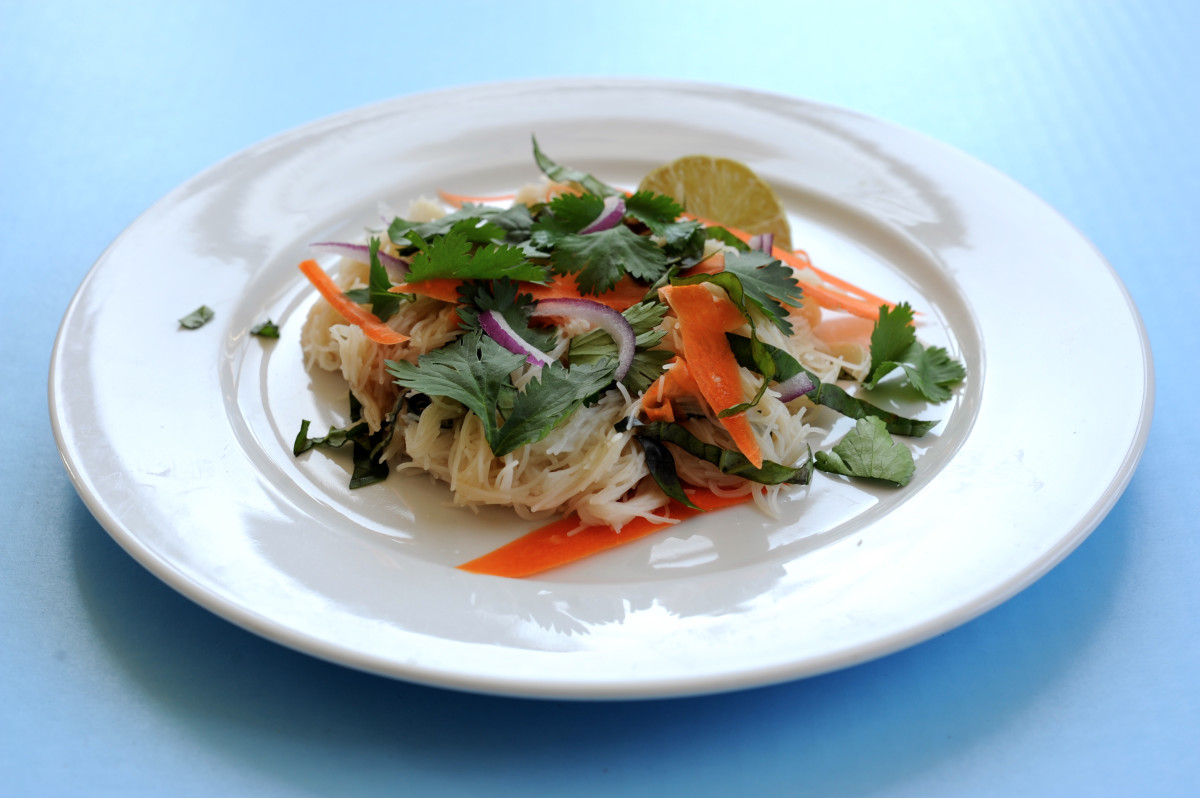 rice noodles with tamarind sauce