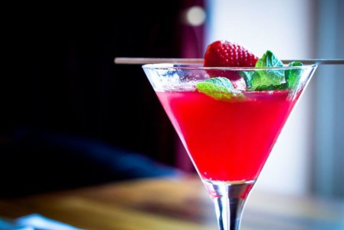 5-Garden-to-Glass-Cocktails-for-Spring_PHOTO-REDO_ccflcr_daspunkt_11.7.12