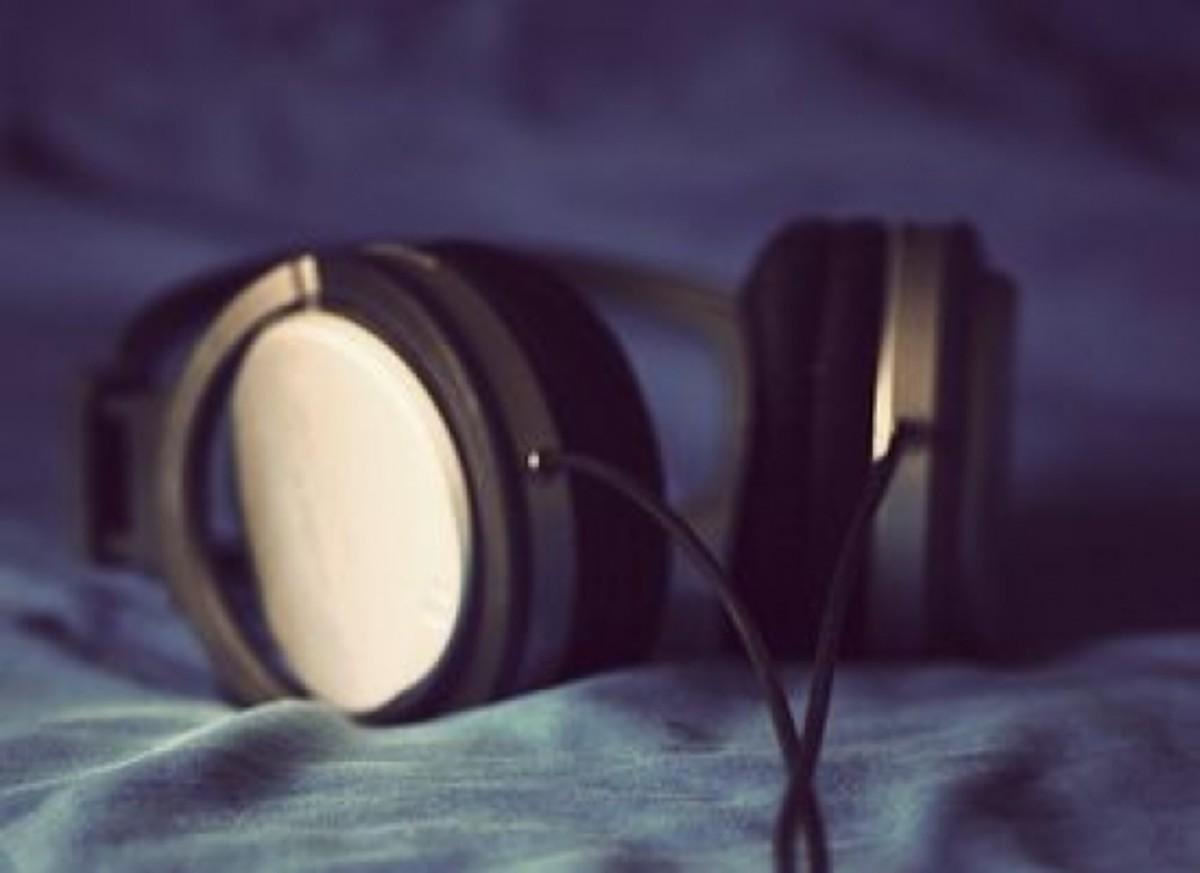headphones_fey_llyas
