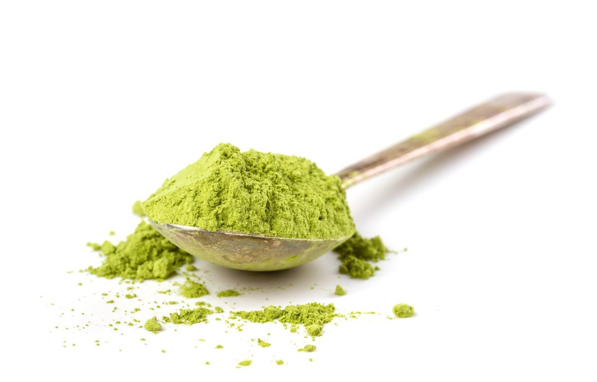 This is How to Choose the Healthiest Greens Powder