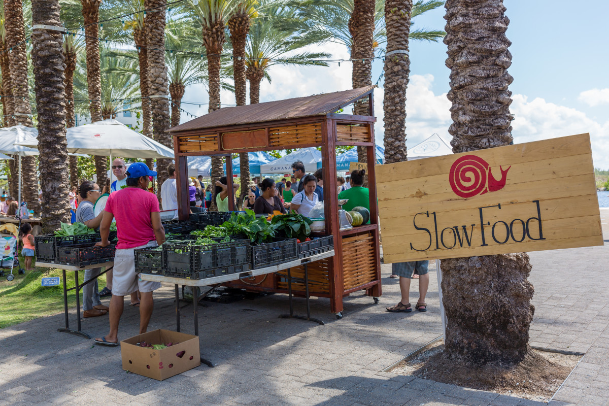 © Camana Bay Slow Food Day