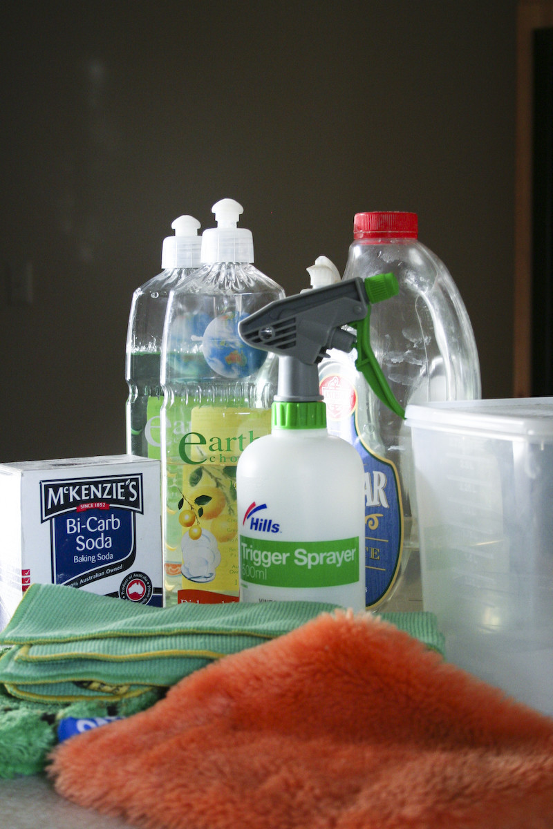 Spring cleanign hacks and tips.
