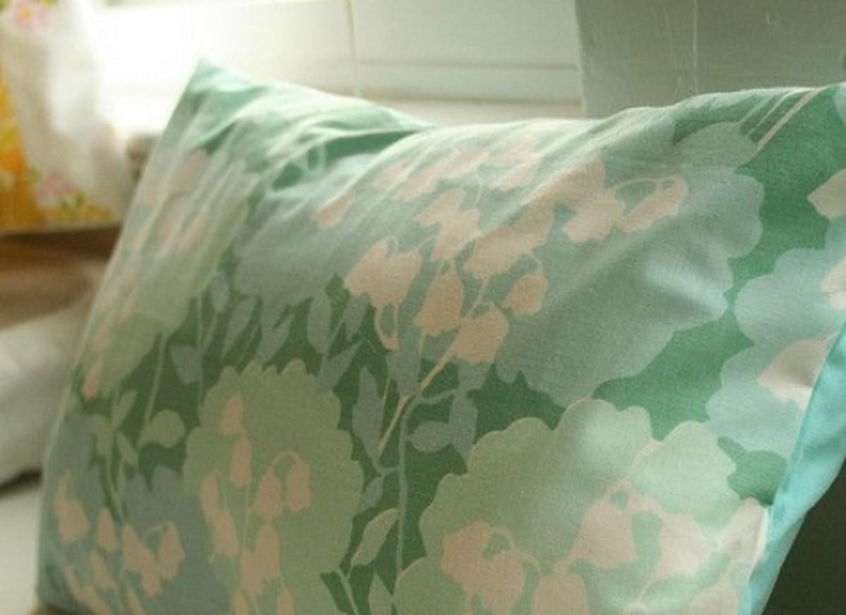 Vintage-Pillow-ccflcr-kag2u