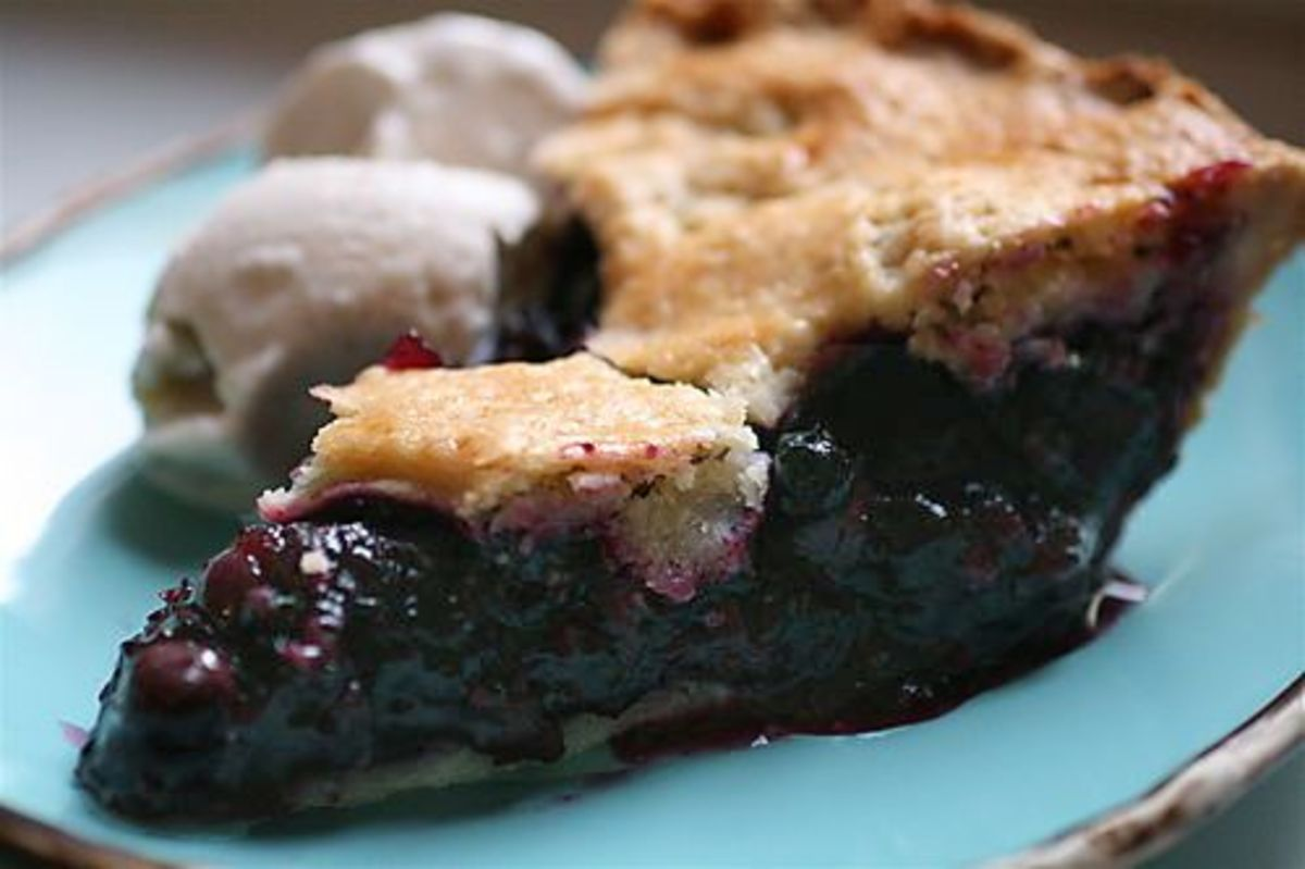 blueberry-pie-ccflcr-thebittenword1