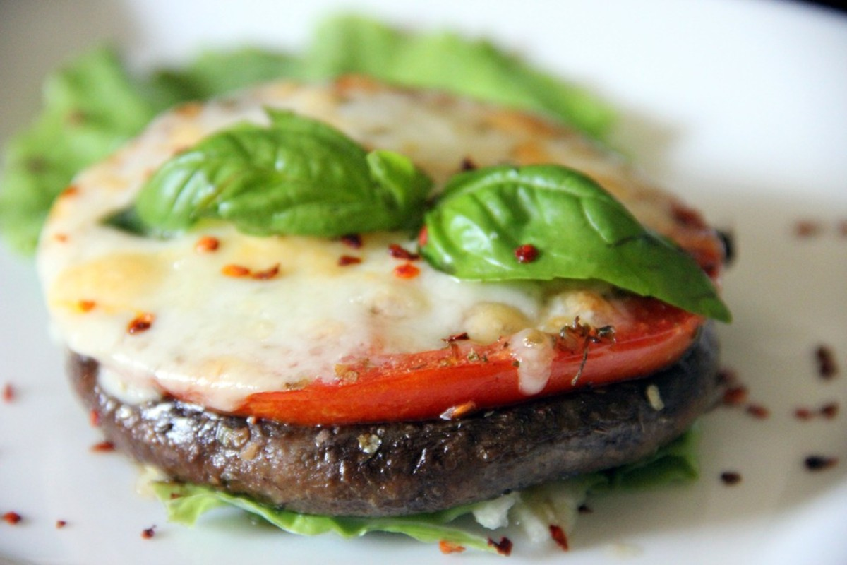 mushroom recipes - portobello mushroom pizza