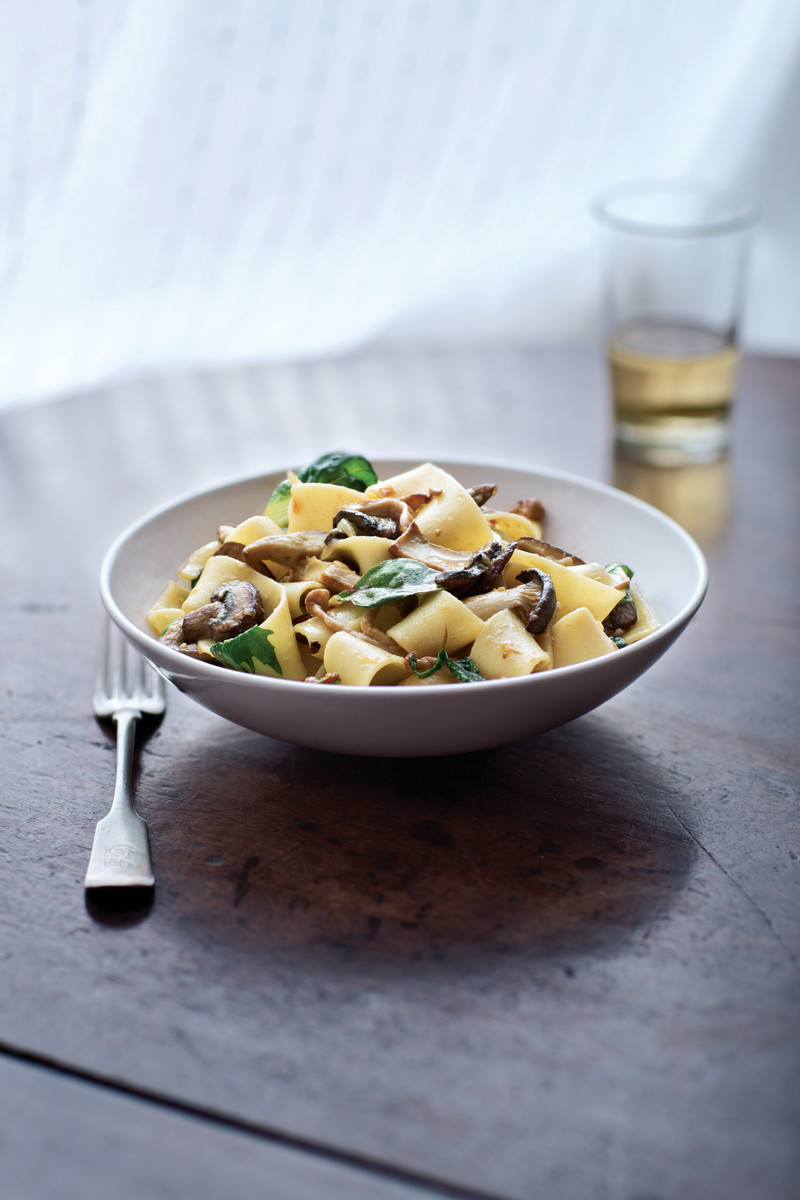 mushroom recipes - egg noodles with mushrooms