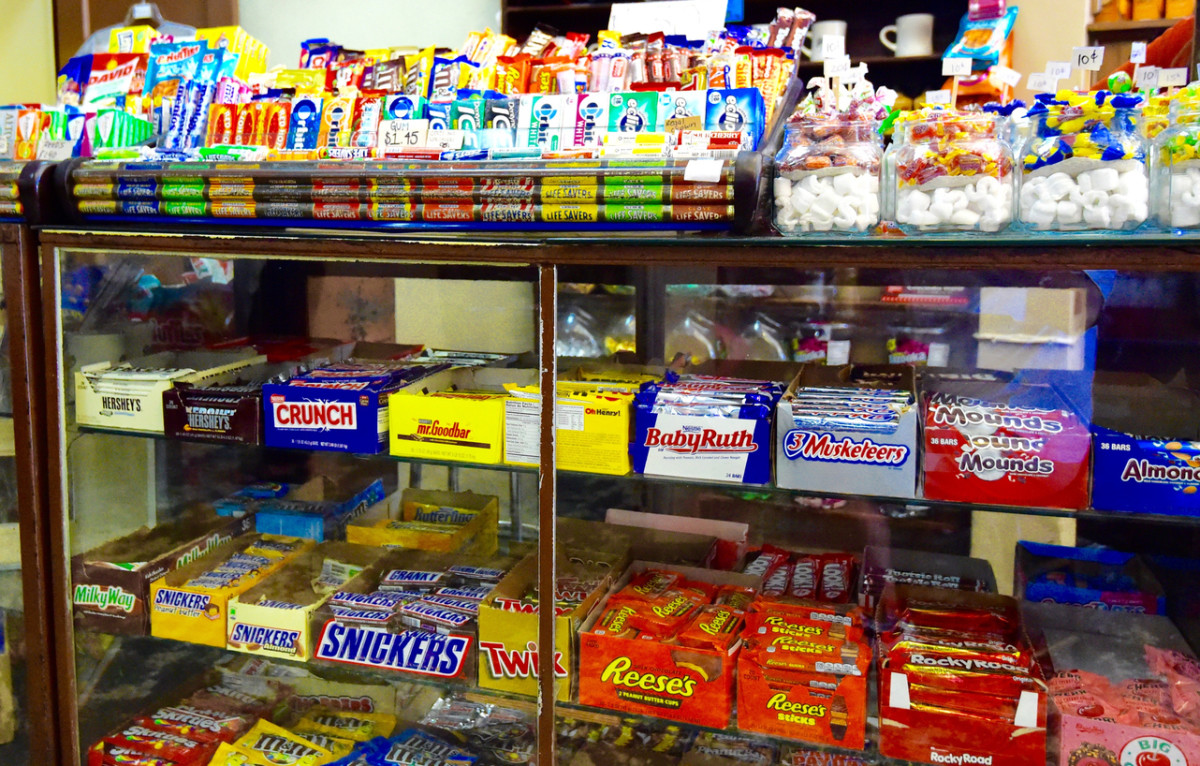 California Supermarket Chain to Pull All Conventional Candy From Checkout Counters