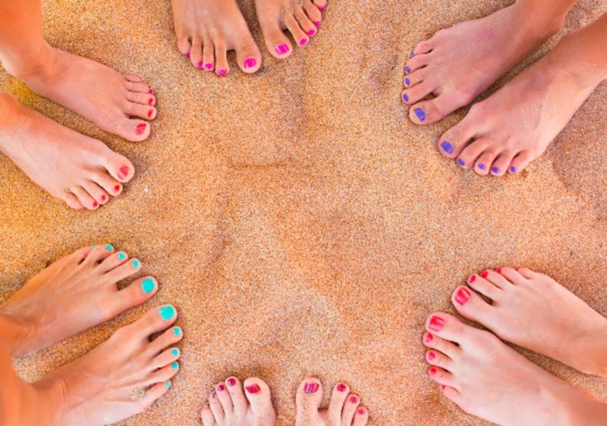 Hate Your Tootsies? 6 Tricks for Pretty-ish Summer Feet