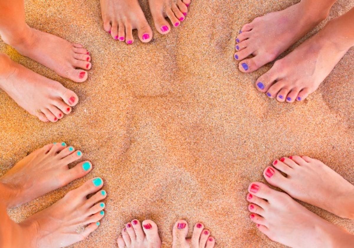 6 Tricks For Pretty Ish Summer Feet
