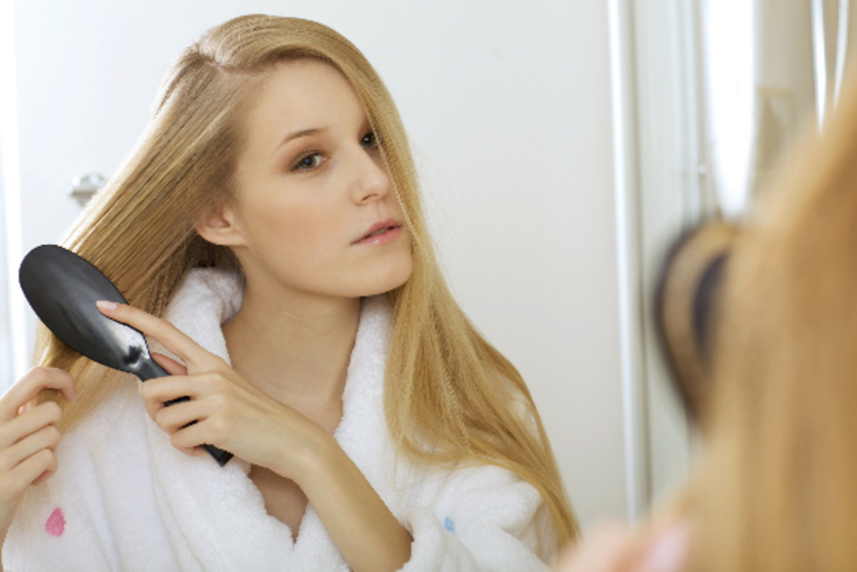 Researchers Have Designed a Sustainable, Easy-to-Clean Hairbrush