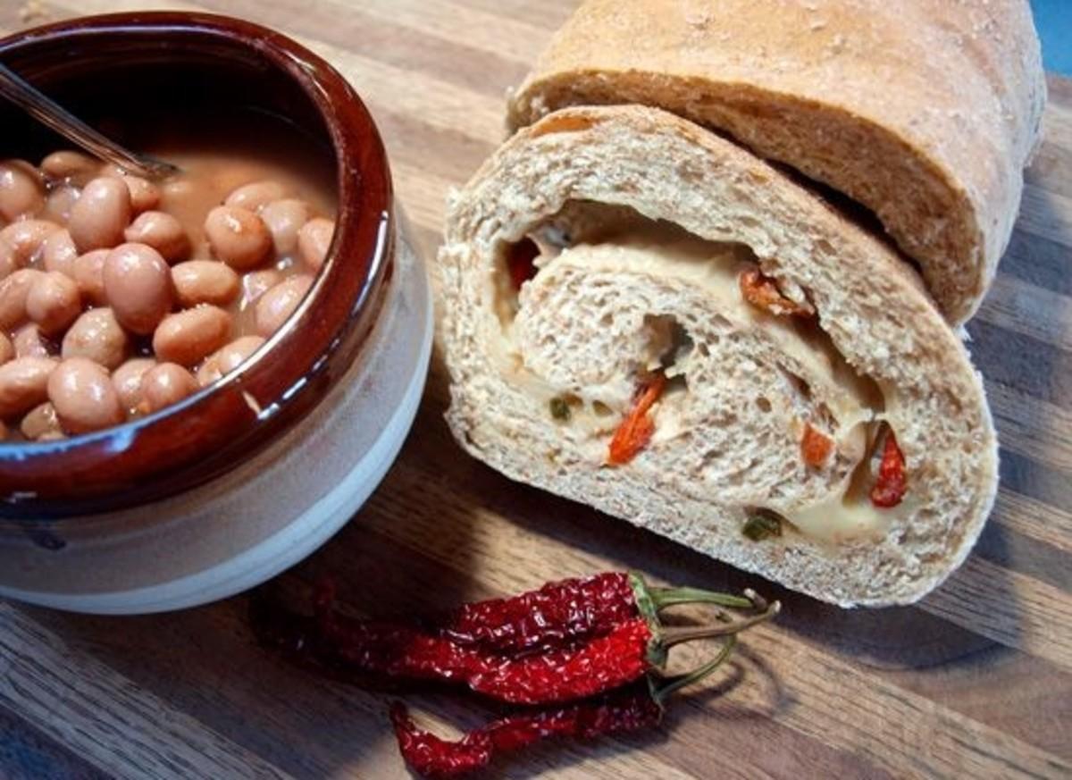 pepper-cheese-swirl-bread