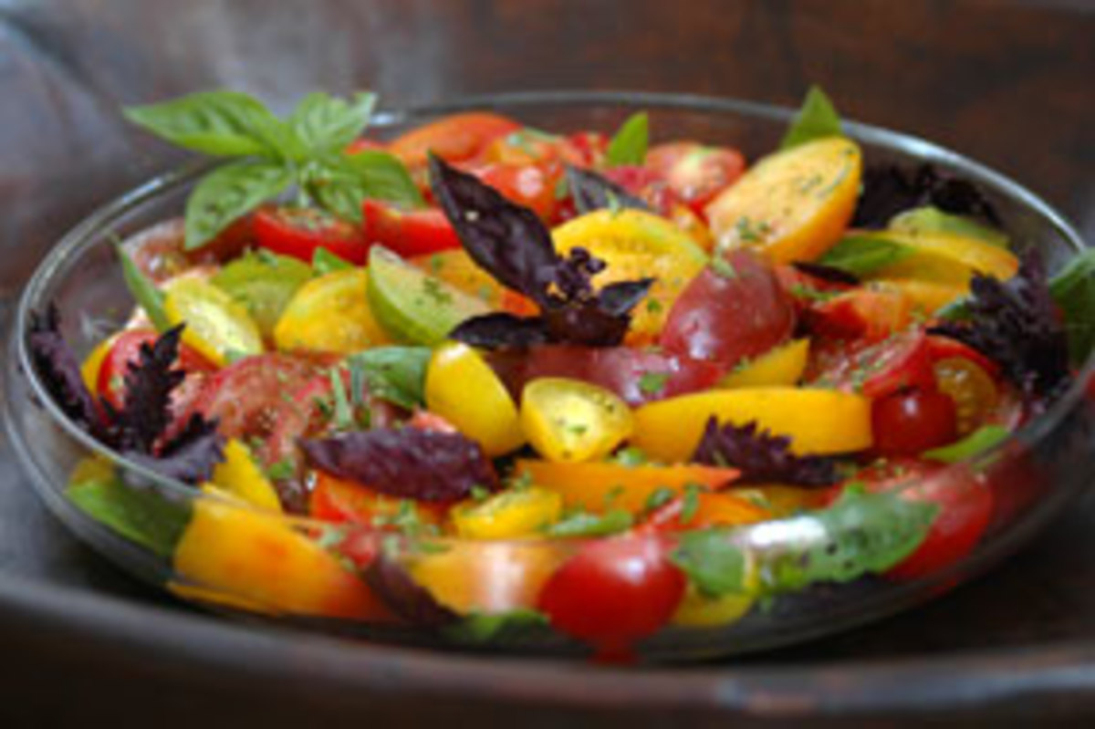 organic-heirloom-tomato-sal1