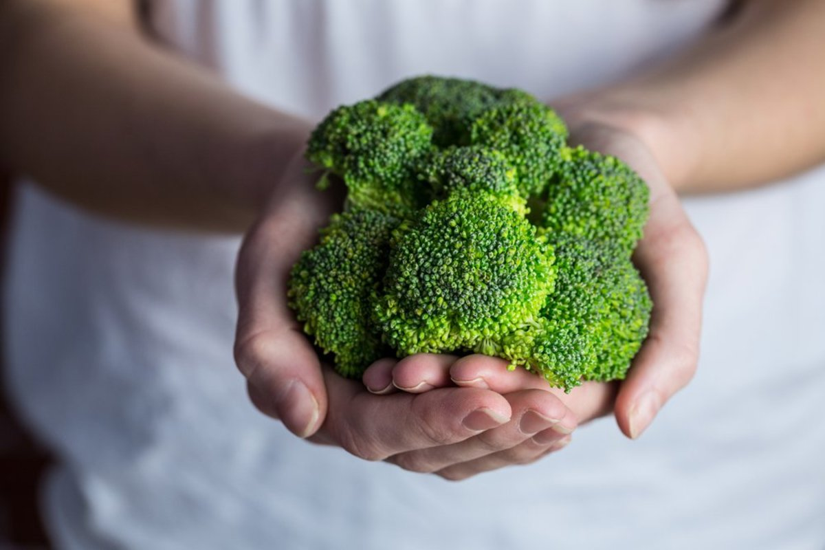 broccoli protects liver