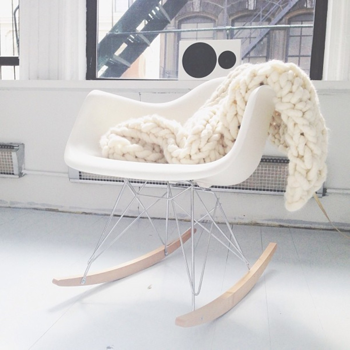 Knitting Patterns For Chunky Throws : 7 Chunky Knitting Patterns for You and Your Home