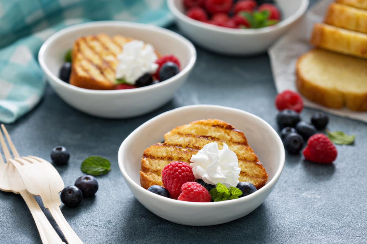grilled pound cake image