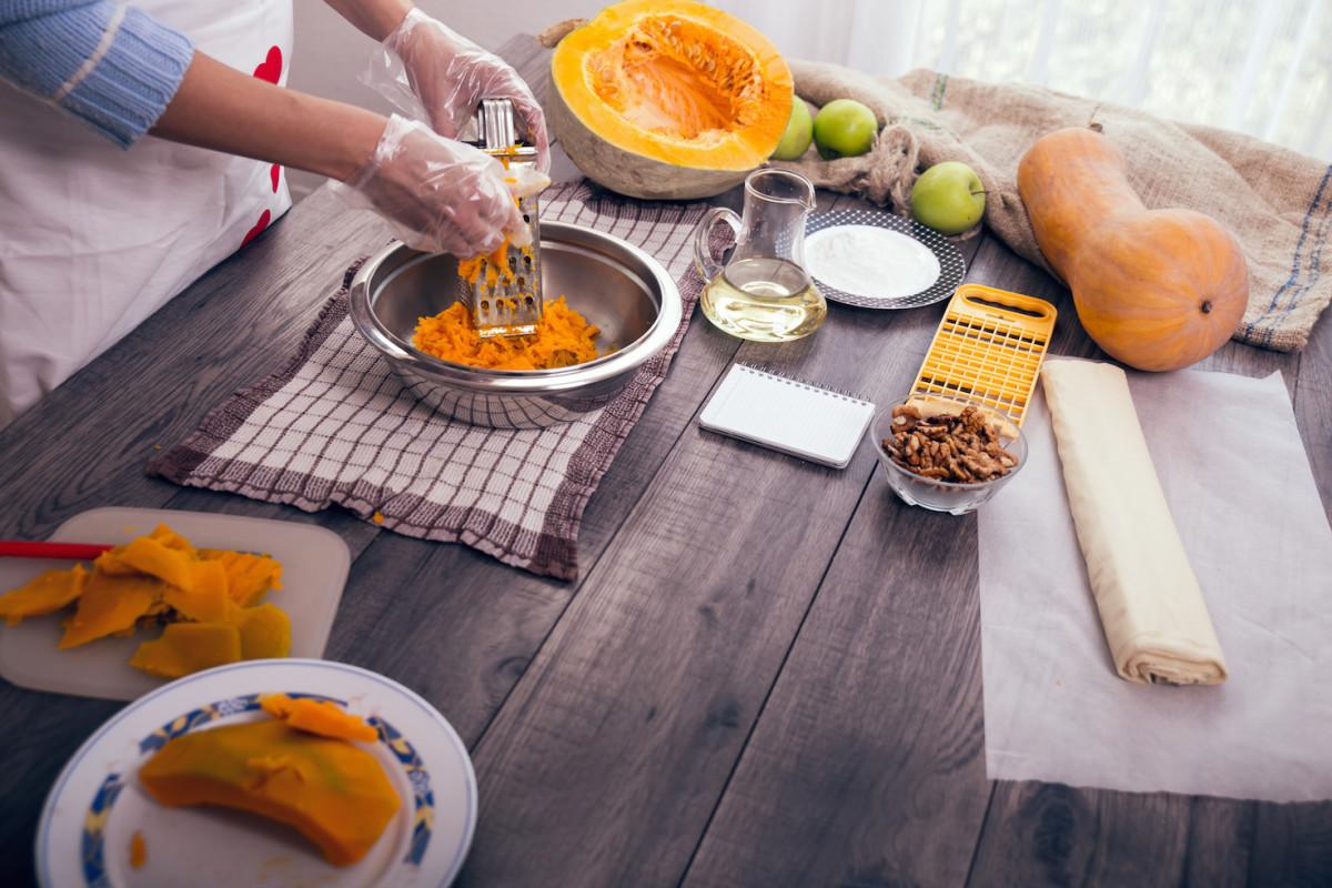 5 Cooking Hacks to Make Thanksgiving Easy as (Pumpkin) Pie