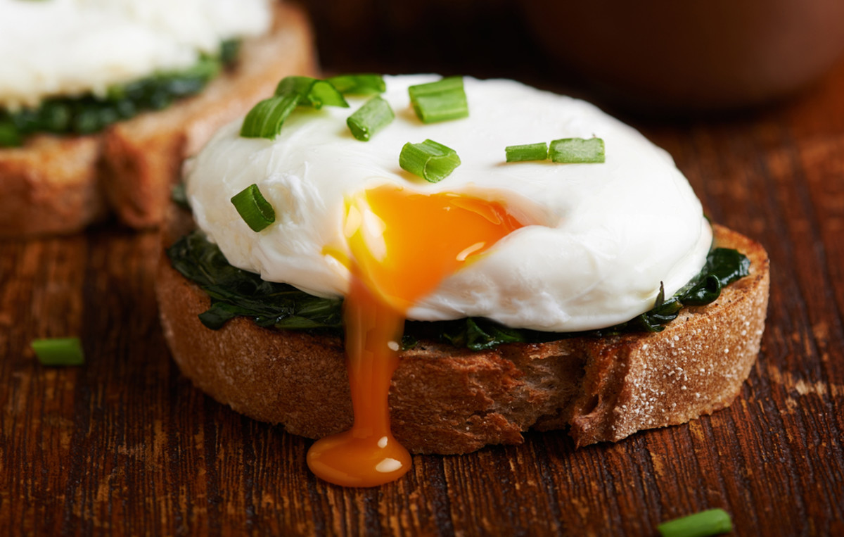 Master Poached Egg Recipes for Meatless Monday