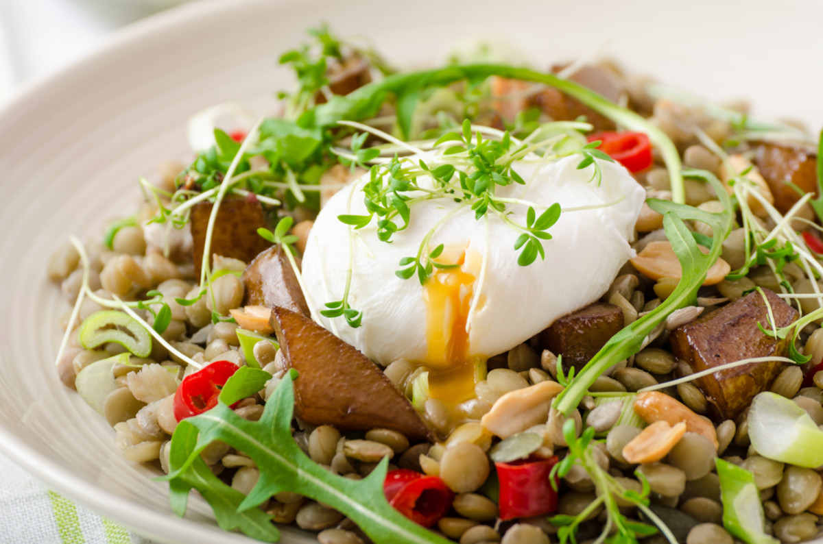 Master Poached Egg Recipes for Meatless Monday (5 Recipes to Try!)