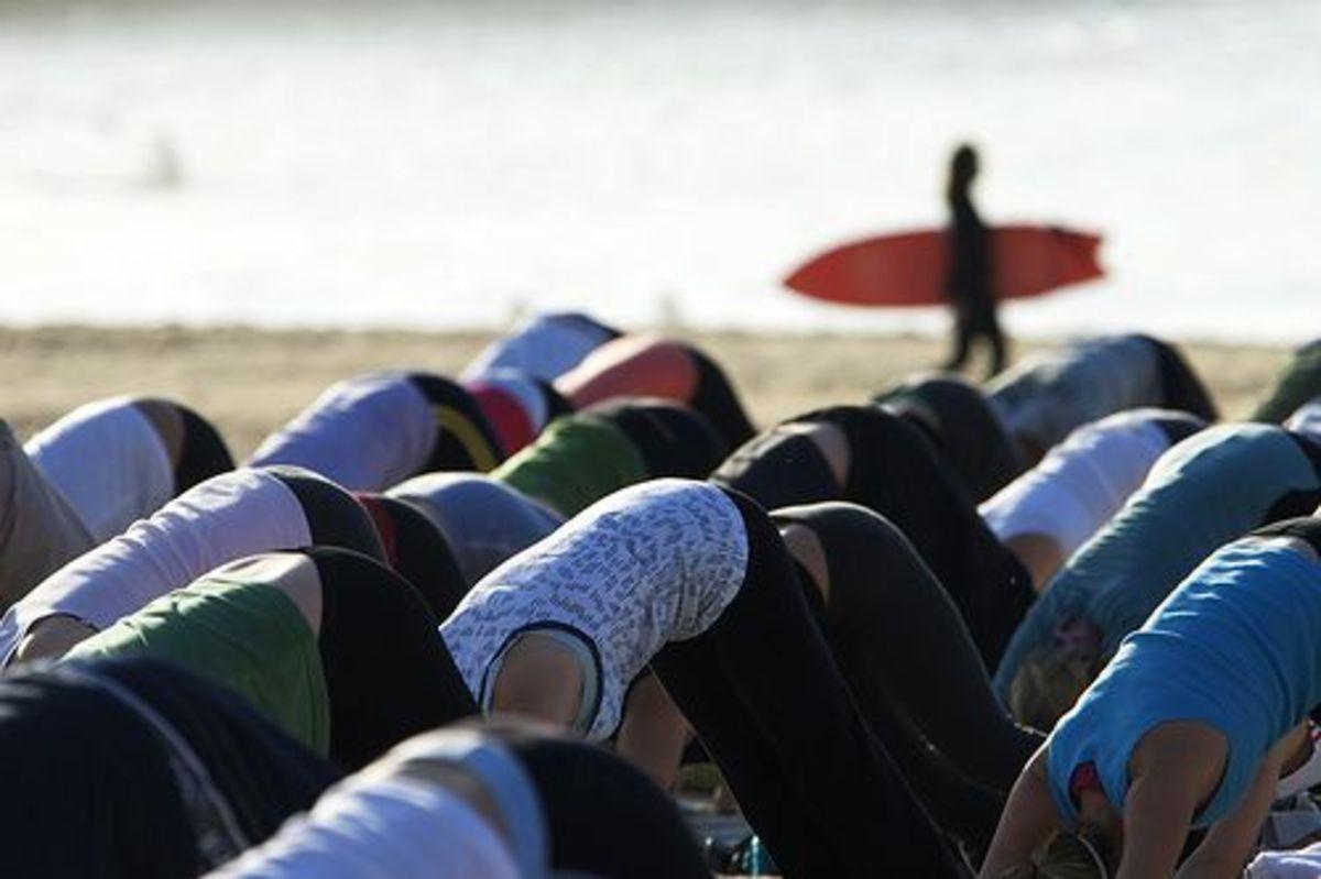 beach-yoga-ccflcr-tarotastic
