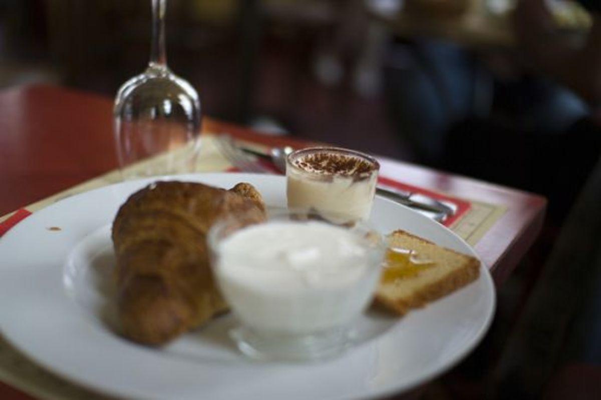 parisiancafe-ccflcr-SnippyHolloW