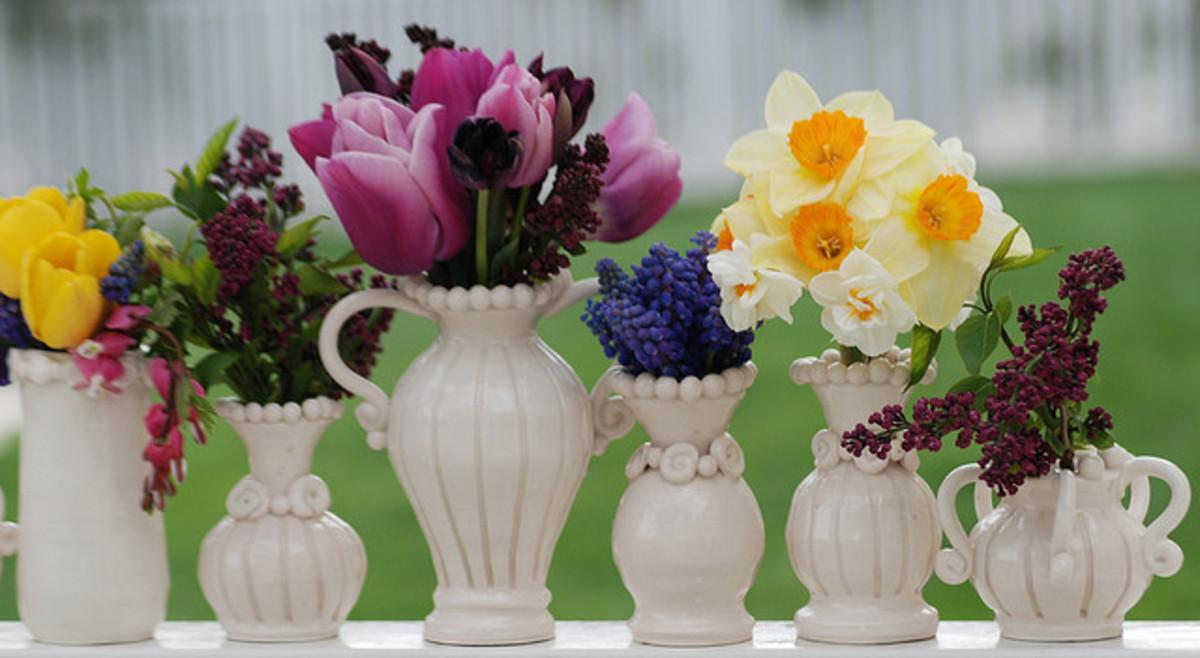 A beautiful spring flower arrangment.