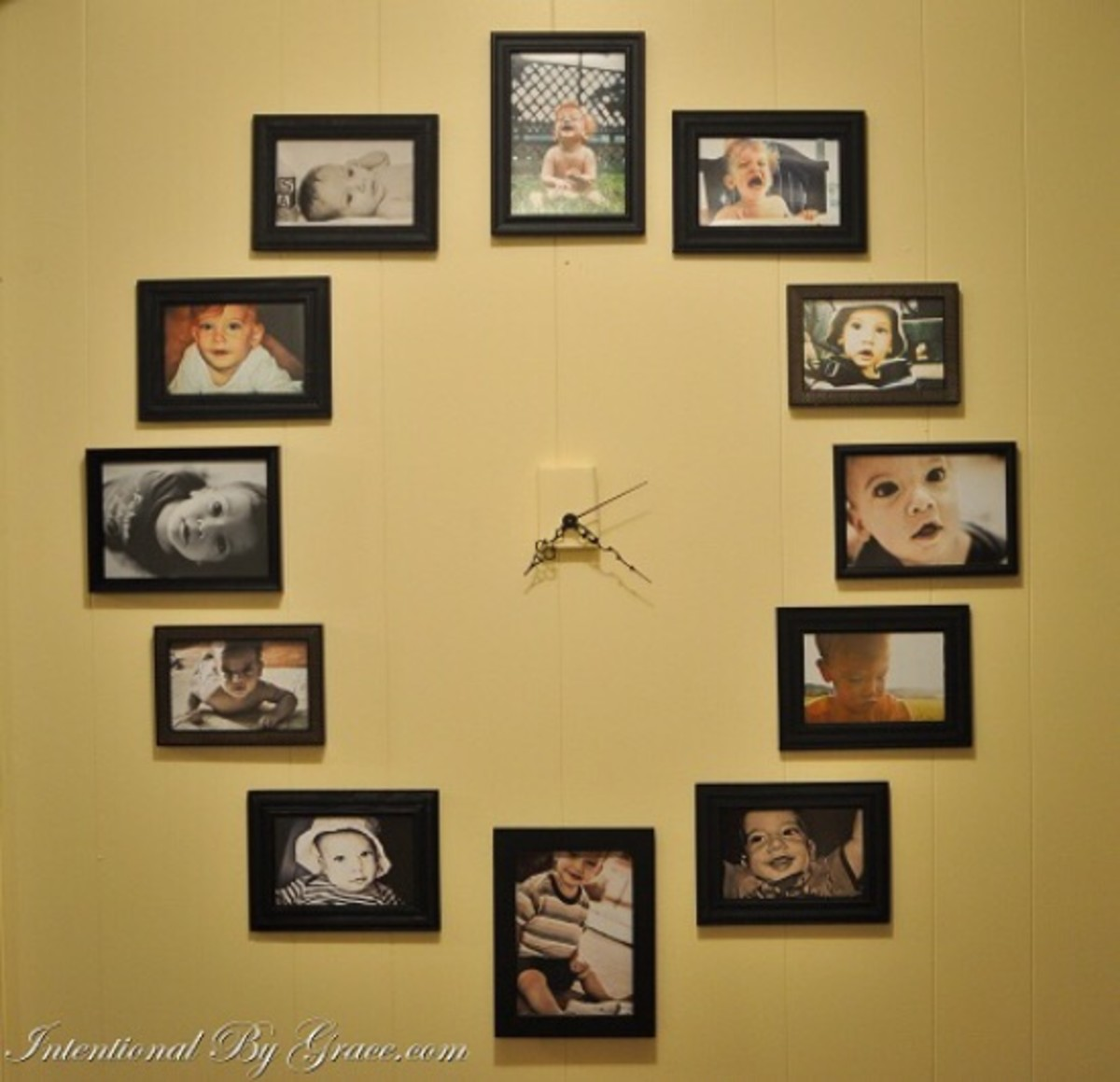 clock photo display