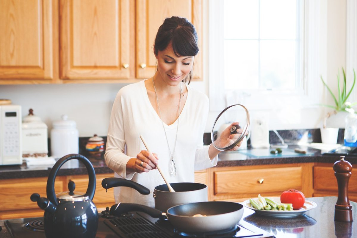 Organic Beauty Products >> 9 Non-Toxic Cookware Brands to Keep Chemicals Out of Your Food