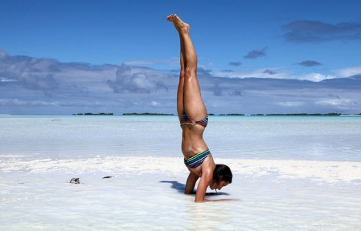 yoga-headstand-ccflcr-vgm8383