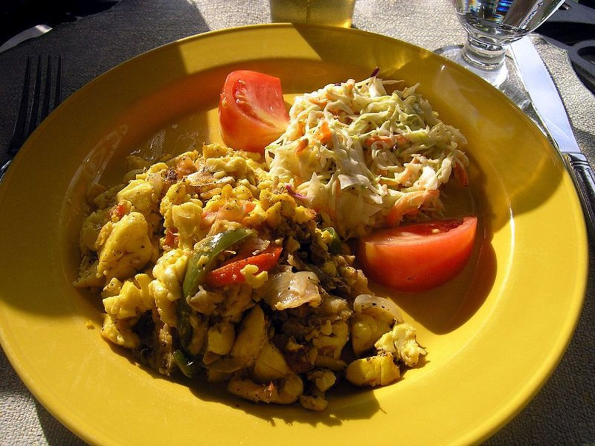 800px-Ackee_and_Saltfish