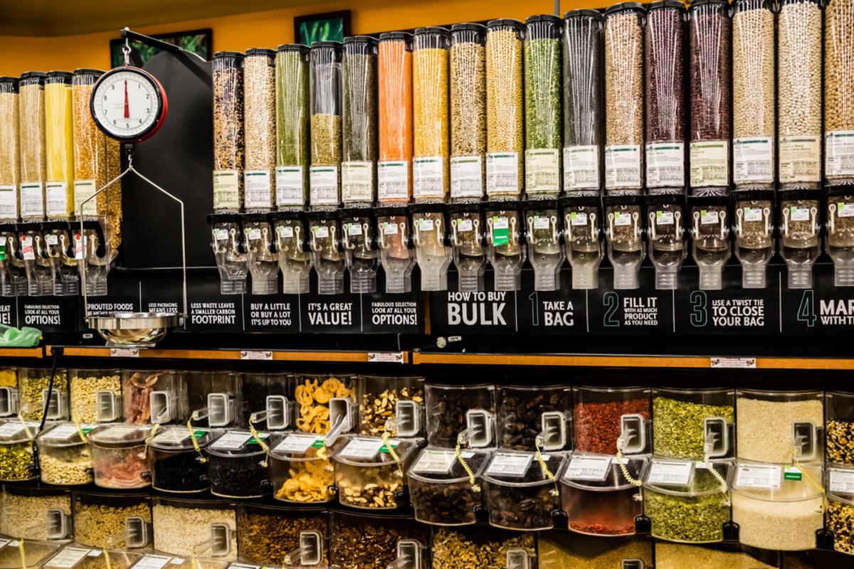 7 Ways to Make Zero-Waste Shopping Second Nature