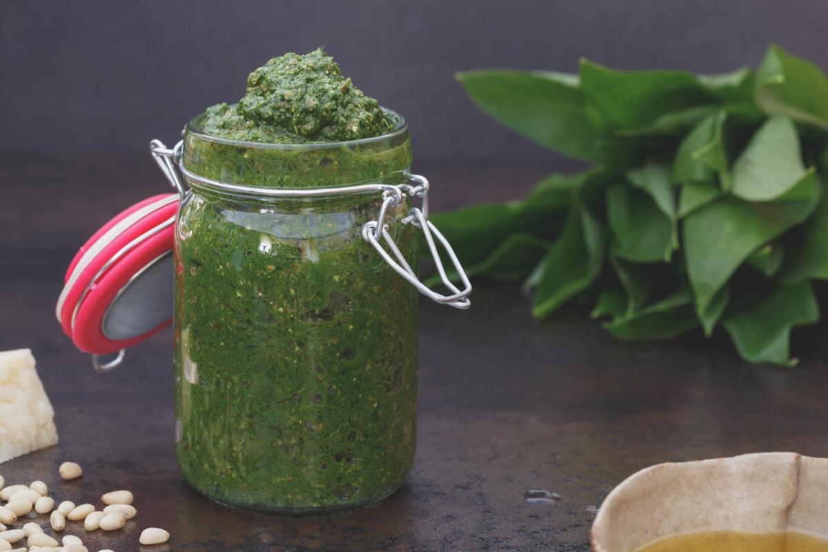 avocado oil pesto picture