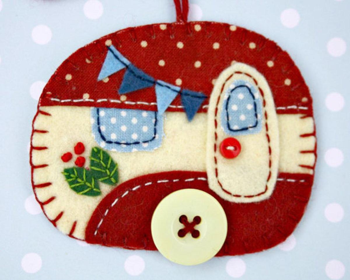 Give handmade Christmas ornaments this season.