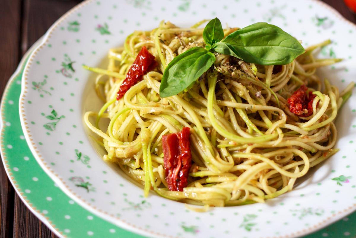 spaghetti and zucchini