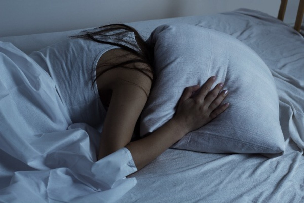 Why You Eat More Fat When You're Sleep-Deprived
