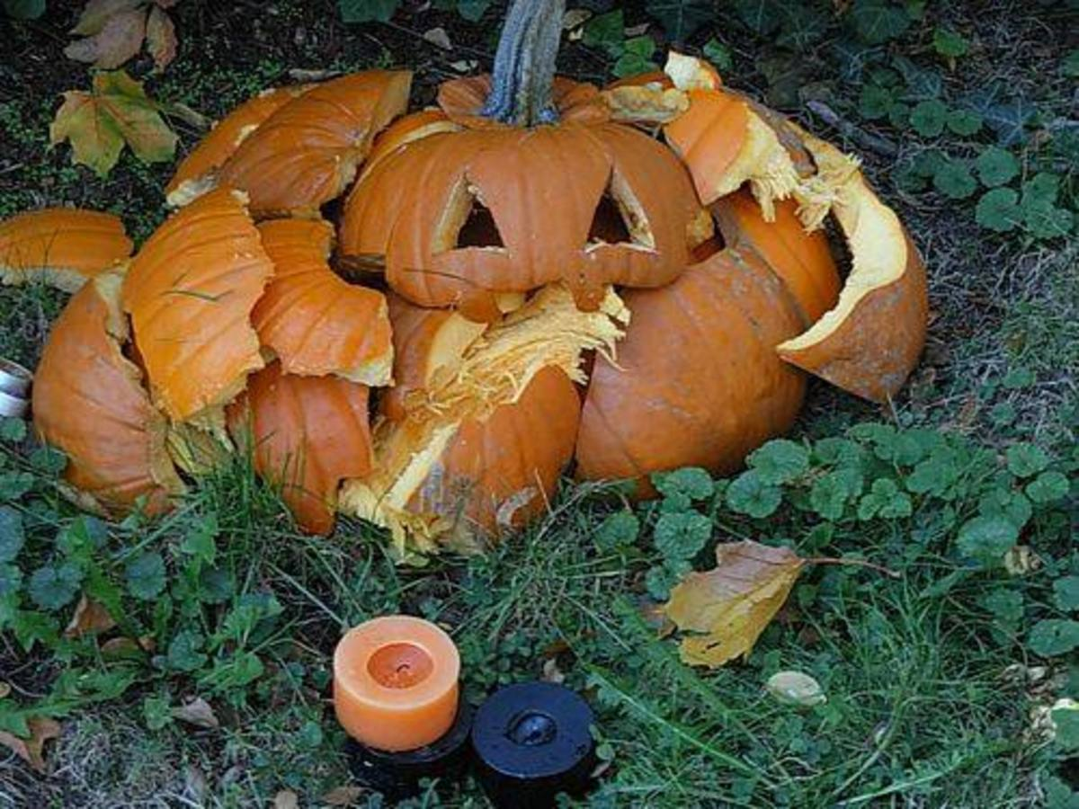 Pumpkinsmashed-ccflcr-Frenchroyalist