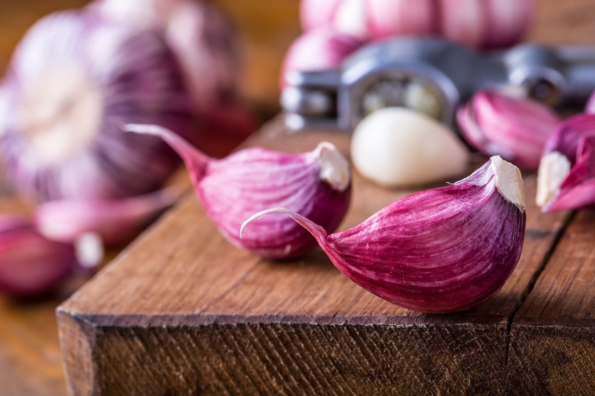 How to Enjoy the Benefits of Garlic for Colds and Flu