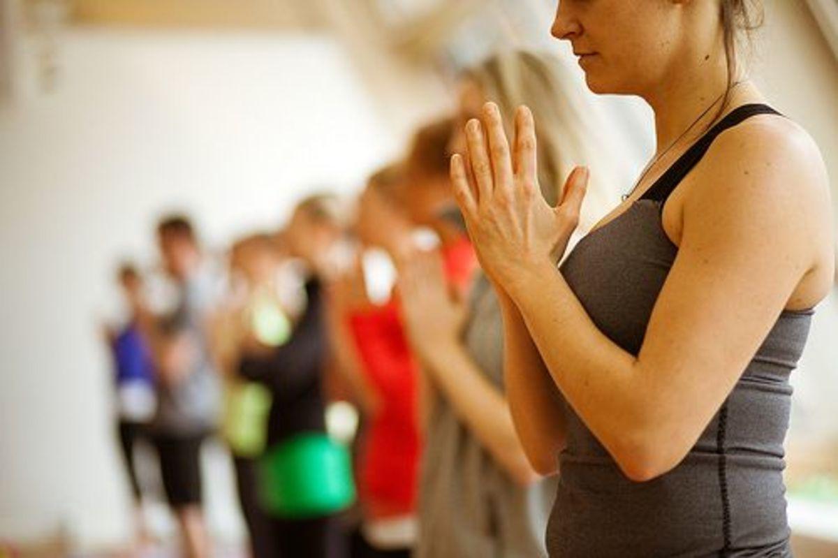 yoga-hands-ccflcr-lululemon-athletica