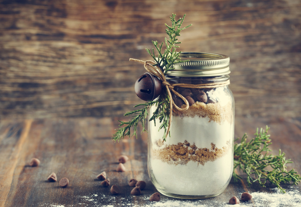 12 Creative Homemade Holiday Gifts for Under $10