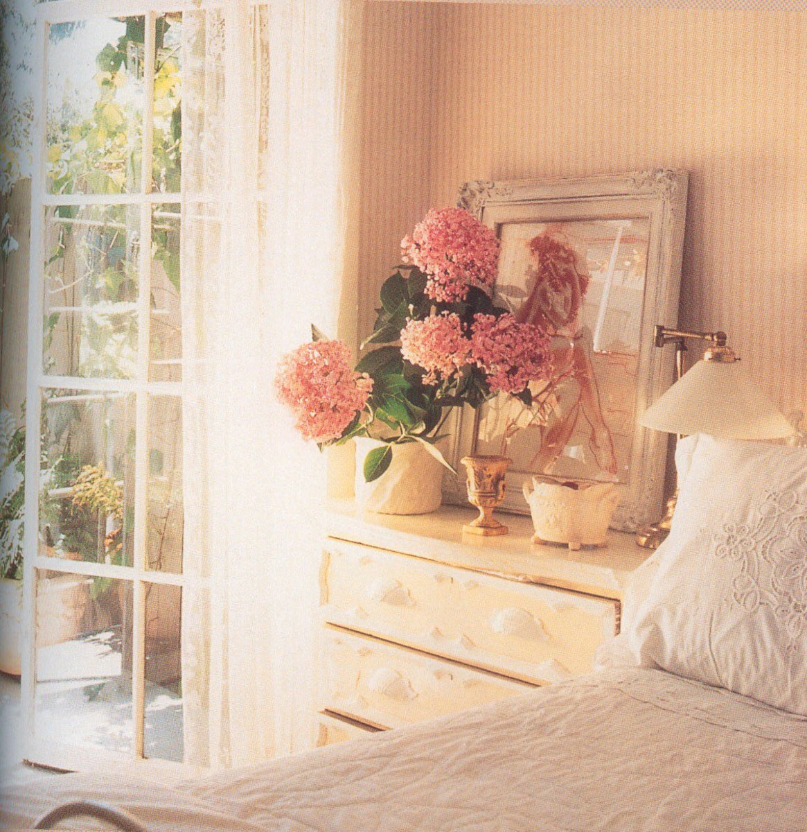 Romantic Bedroom Art Ideas