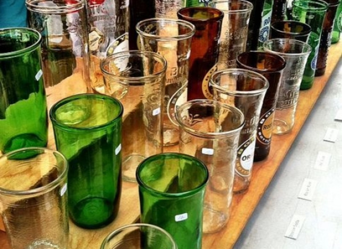 Great-Holiday-Gift-Idea-Recycled-Wine-or-Beer-Bottle-Tumblers_ccflcr_CarlaGates247_12.12.12