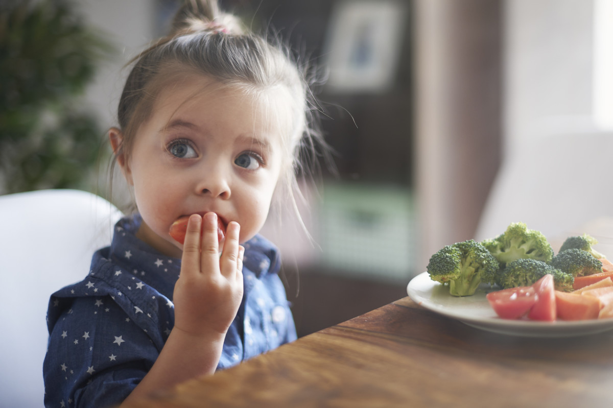 I Never Tell My Daughter to Eat Her Vegetables (and She Eats Them Anyway!)