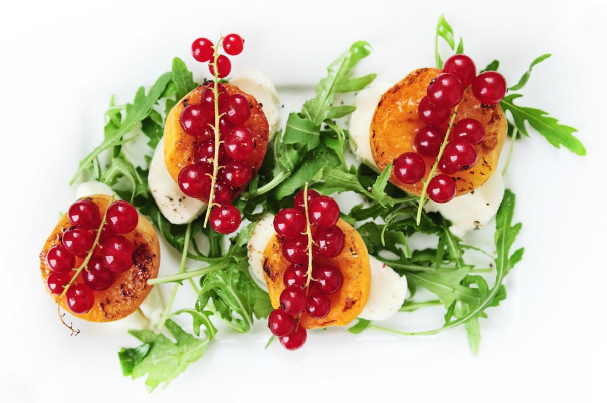 apricot mozzarella salad