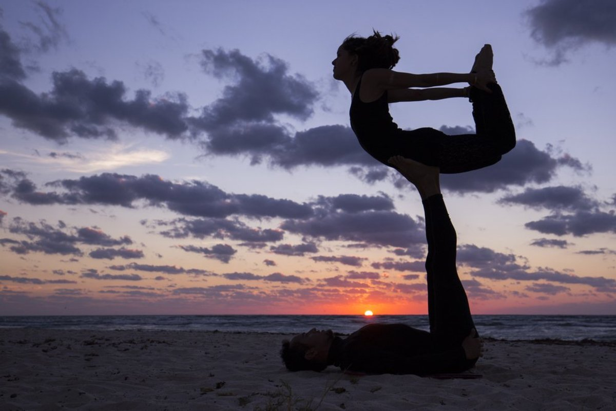 5 Fun Partner Yoga Poses to Build Trust and Communication
